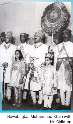 Nawab Iqbal Mohammad Khan with his Children