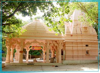 http://www.palanpuronline.com/Portal/IMAGES/Balaram_Mahadev.jpg