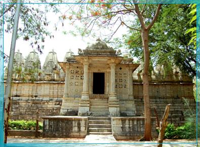 http://www.palanpuronline.com/Portal/IMAGES/Kumbhariya2.jpg